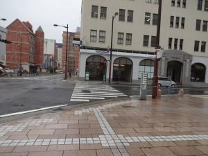 門司港駅前のファミマ